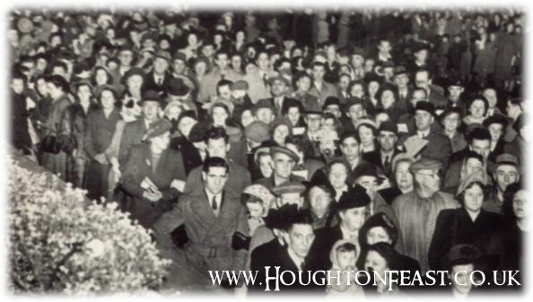Thought to be the first outdoor Community Hymn Singing at Houghton Feast 1949
